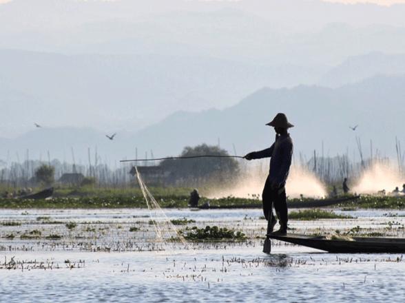 Myanmar-lake-inle