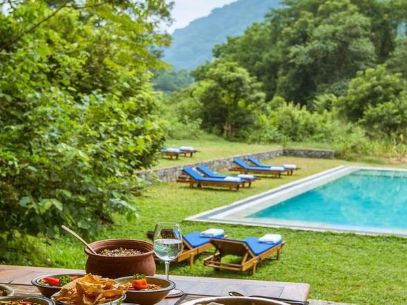 gal-oya-lodge-pool-view